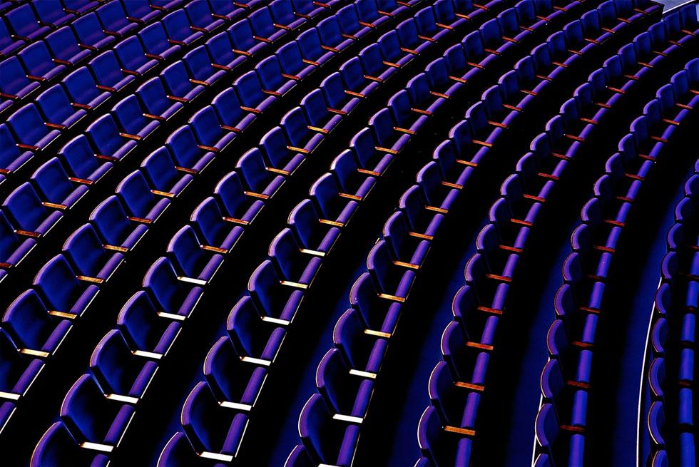 ביקור ראשון בתיאטרון ''הבימה'' המחודש, שעבר שיפוץ ממושך מדי ומעורר מחלוקת, פתח את אתר Xnet ביום הראשון להשקתו. לחצו על התצלום לכתבה המקורית (צילום: איתי סיקולסקי)