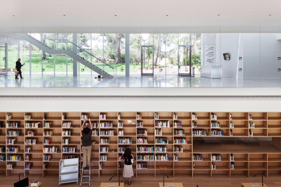 האגף החדש של מכון ואן ליר בירושלים, בתכנון חיוטין אדריכלים. אחד הפרויקטים הבולטים שנחנכו בעשור הזה. לחצו על התצלום לכתבה המלאה (צילום: אביעד בר נס)