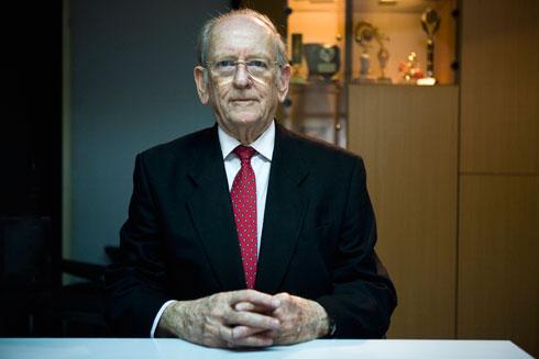 האב, עורך הדין ידין מכנס (צילום: תומי הרפז)