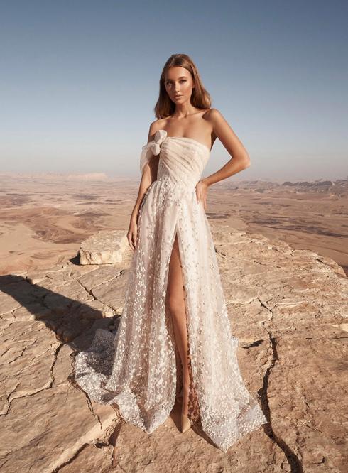 """שמלה שעוצבה במדרשה לאופנה. """"סטודיו משלך - תוך שנה"""" (צילום: אלמוג גבאי)"""