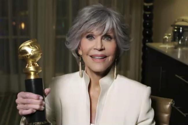ג'יין פונדה מקבלת את פרס מפעל החיים (צילום: Getty Images)