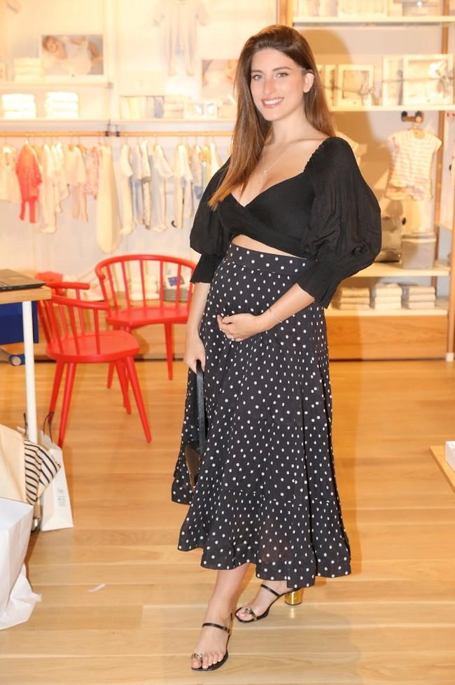 זוהרת בהיריון. דנה זרמון (צילום: לנס הפקות)