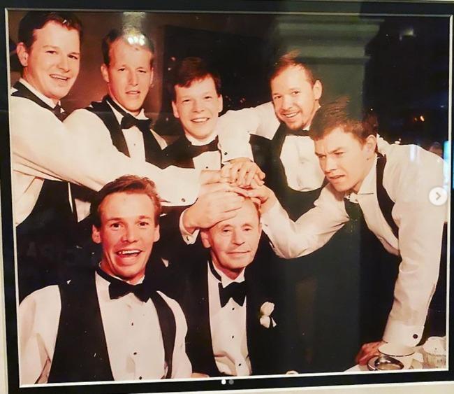 וולברג, אביו ואחיו הגדולים (צילום: אינסטגרם)