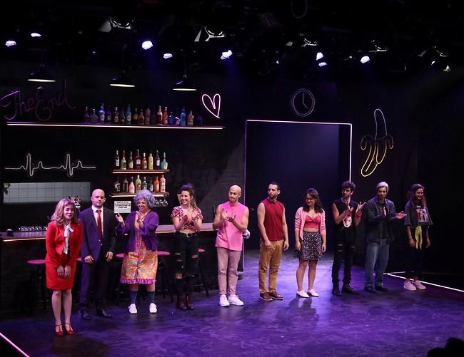 """ההצגה """"רינגו"""" על הבמה (צילום: אור גפן)"""