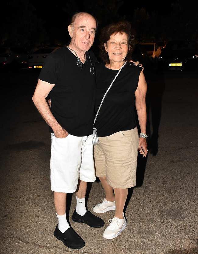 לא קיבלתם את הממו על קוד הלבוש? יפית גרינברג ובעלה (צילום: אמיר מאירי)
