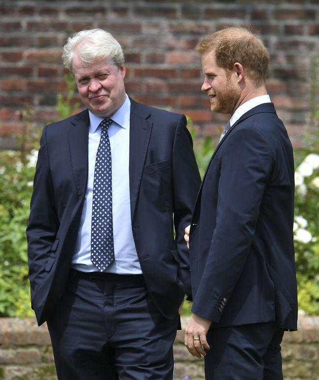 הנסיך הארי ודודו צ'ארלס ספנסר (צילום: Ap)