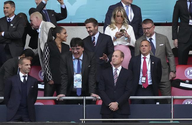 חוגגים את הניצחון של אנגליה (צילום: Gettyimage)