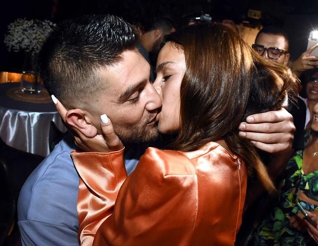 איך אנחנו אוהבים נשיקה מול המצלמות (צילום: אמיר מאירי)