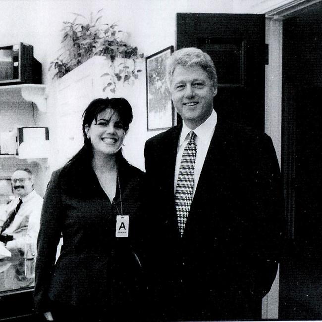היא חטפה אש, הוא קיבל שבחים. לוינסקי וביל קלינטון  (צילום: GettyImages)