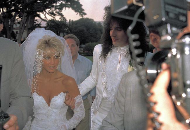 תכננה להתחתן רק פעם אחת. לא הצליח לה. לוקליר וטומי לי (צילום: AP)
