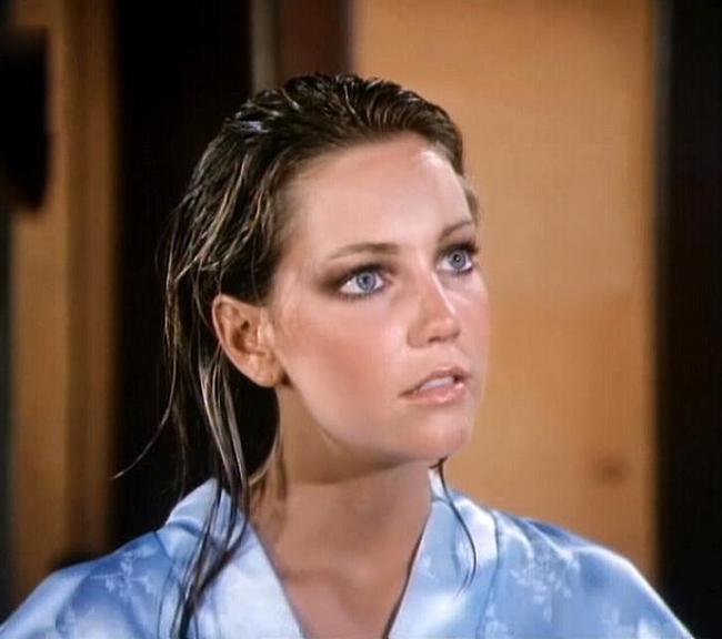 """שיחקה היטב את דמות הערמומית היפהפייה. לוקליר ב""""שושלת"""" (צילום מסך)"""
