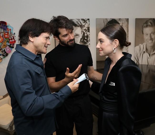 קיבלת את התמונות מהחתונה? אליאנה תדהר, רן דנקר וחנוך רוזן (צילום: רפי דלויה)