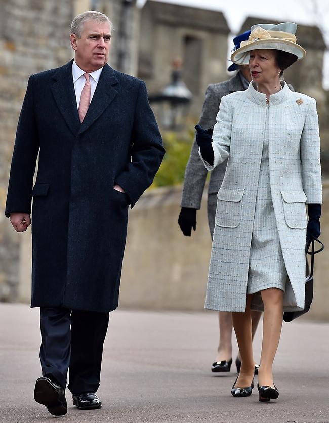 """""""אתה לא רצוי פה יותר"""". הנסיכה אן והנסיך אנדרו (צילום: Gettyimage)"""