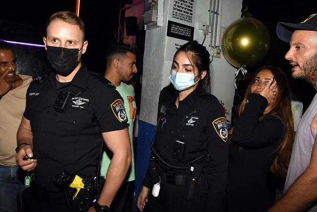 מי הזמין משטרה? (צילום: אמיר מאירי)
