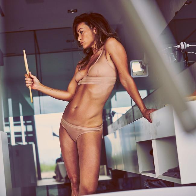 חוגגת את הגוף שלה (צילום: mega)