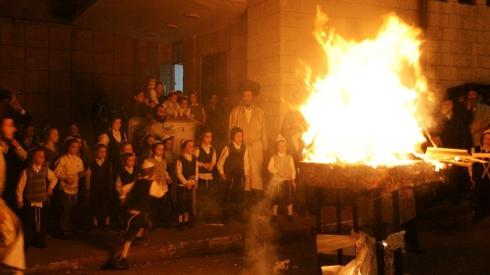 Lag BaOmer bonfire in Jerusalem