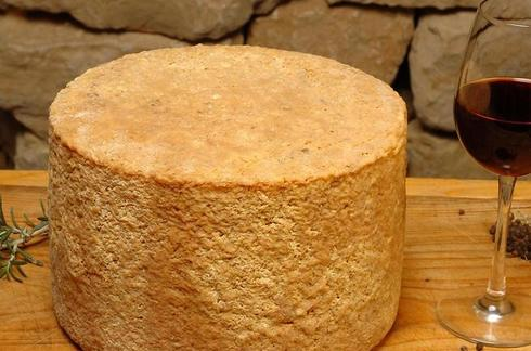 איזה יין מתאים לאיזו גבינה?