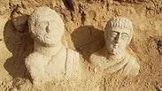 שני הפסלים שנחשפו