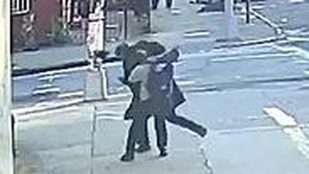פשע שנאה בניו יורק: אברך הותקף באמצע הרחוב
