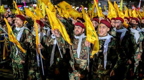 אנשי חיזבאללה ב לבנון ביירות בנאום של חסן נסראללה לרגל יום אל-קודס