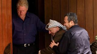 President Bill Clinton, Palestinian leader Yasser Arafat and Prime Minister Ehud Barak at Camp David, July 2000