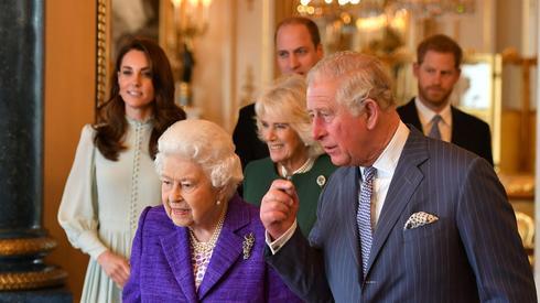 הנסיך צ'ארלס המלכה אליזבת