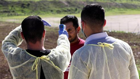 בדיקת קורונה מטוש מטושים פלסטינים תרקומיא חברון