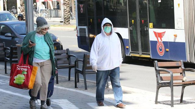 Israelis wearing masks against coronavirus in Tel Aviv