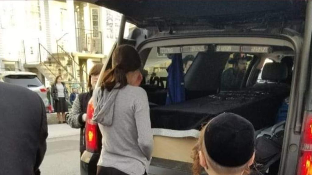 בתו של נהג האוטובוס נפרדת מאביה