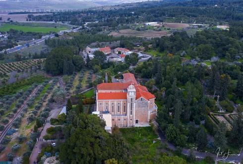 מנזר השתקנים בלטרון