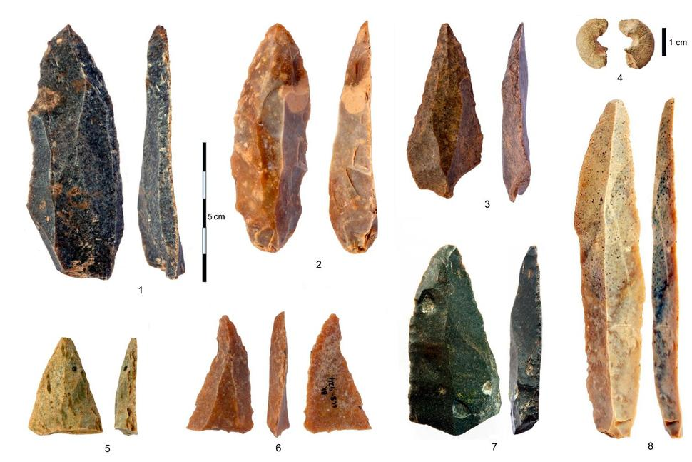 Stone artifacts from the Initial Upper Paleolithic discovered in the Bacho Kiro Cave in Bulgaria