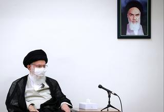 איראן נמצאת במצוקה הכלכלית הקשה בתולדותיה. חמינאי