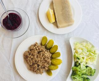 כבד קצוץ ורגל קרושה: אוכל מזרח אירופי