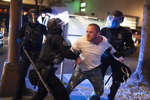 טראמפ לעולם לא יהיה נשיא מלחמת בפורטלנד בן תומכי טראמפ לביידן -הרוג אחד אלפי פצועים יריות וקרבות סכינים קרבות אגרוף ניסונות דריסה 10208466_0_0_1300_867_large