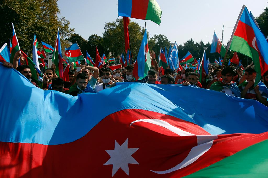 טורקיה איסטנבול מפגינים לתמיכה ב אזרבייג'ן נגד ארמניה מלחמה נגורנו קרבאך