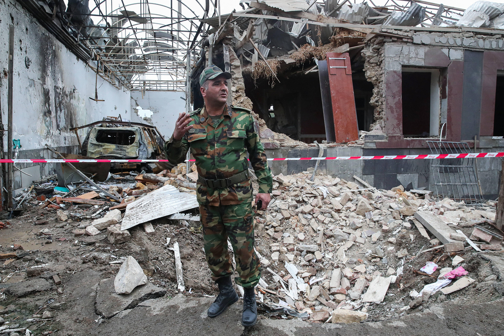 אזרבייג'ן התקפה על העיר גנג'ה לכאורה ירי מ ארמניה מלחמה נגורנו קרבאך