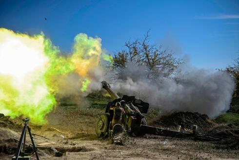 תמונות השנה בעולם של AFP ירי ארמני ב מלחמה ב נגורנו קרבאך מול אזרבייג'ן
