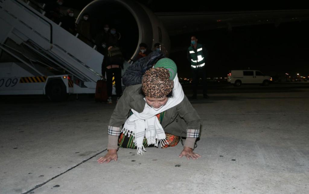 """זה נס חנוכה מודרני"""": צאצאי שבט מנשה האבוד נחתו בישראל Hy11Ra0CHhD_0_0_1280_807_0_x-large"""