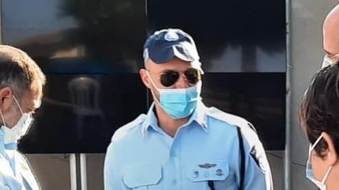 אמיר אוחנה וקובי שבתאי עם הסוכן סמוי שהביא למעצר 34 סוחרי נשק וסמים