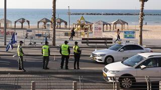 Police enforce lockdown in Tel Aviv