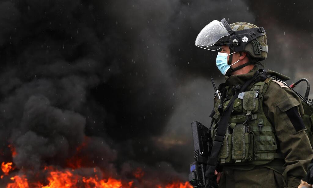 Affrontements entre soldats de Tsahal et Palestiniens dans la colonie de Kedumim près de Naplouse