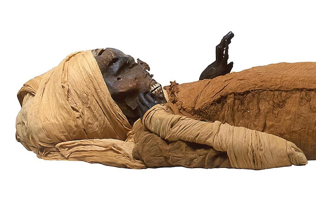פרעה סקננרה טאו נרצח לאחר שנשבה בקרב