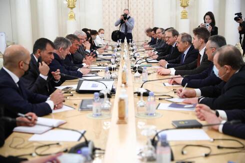 גבי אשכנזי פגישה עם שר החוץ של רוסיה סרגיי לברוב ב מוסקבה