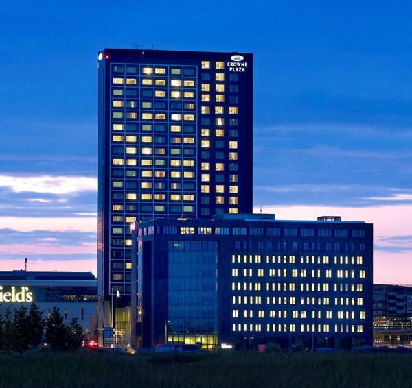 מלון קראון פלאזה בקופנהגן, מלון ירוק שאינו מבליט את היותו כזה באופן עיצובו. מאתר המלון.