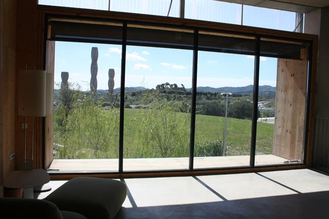 חללי מפגש עם חלון שקוף אל הנוף. צילום: ורה ויידה