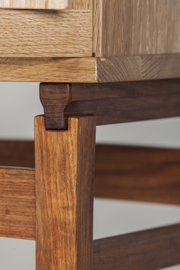 etz_ladaat_woodworking_cabinet