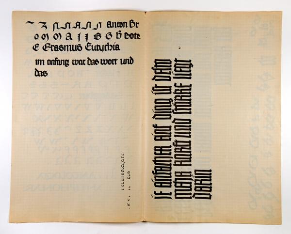 הנרי פרידלנדר, כתיבה קליגרפית במחברת מתווים מזמן עבודתו אצל  הרמן דליטש, לייפציג, גרמניה, 1925 - 1926 /