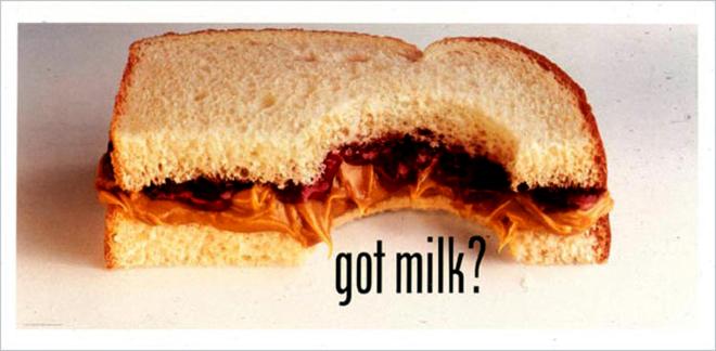 אחת המודעות הראשונות לקמפיין, טרם עידן הסלבס, רק עם הסלוגן: Got Milk? - פשטות של דימוי, דיוק של מסר, וזיהוי נכון של סיטואציה