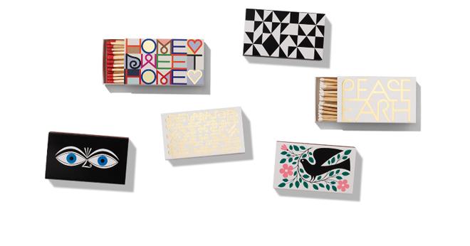 קופסאות הגפרורים של חברת העיצוב והריהוט VITRA עם מחווה למעצב האמריקאי אלכסהדר ג׳רארד