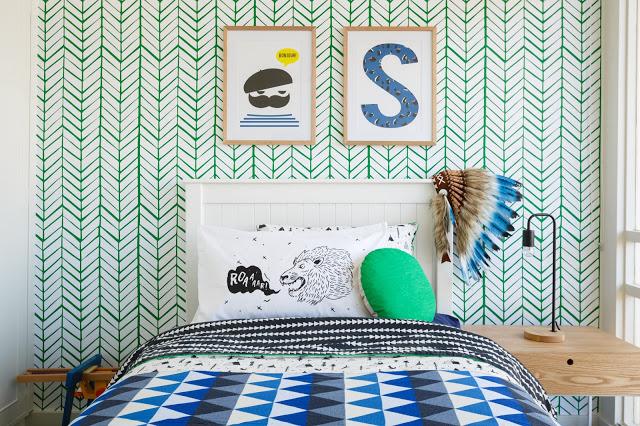 ירוק לצד כחולים בחדר ילדים. Little Liberty Rooms